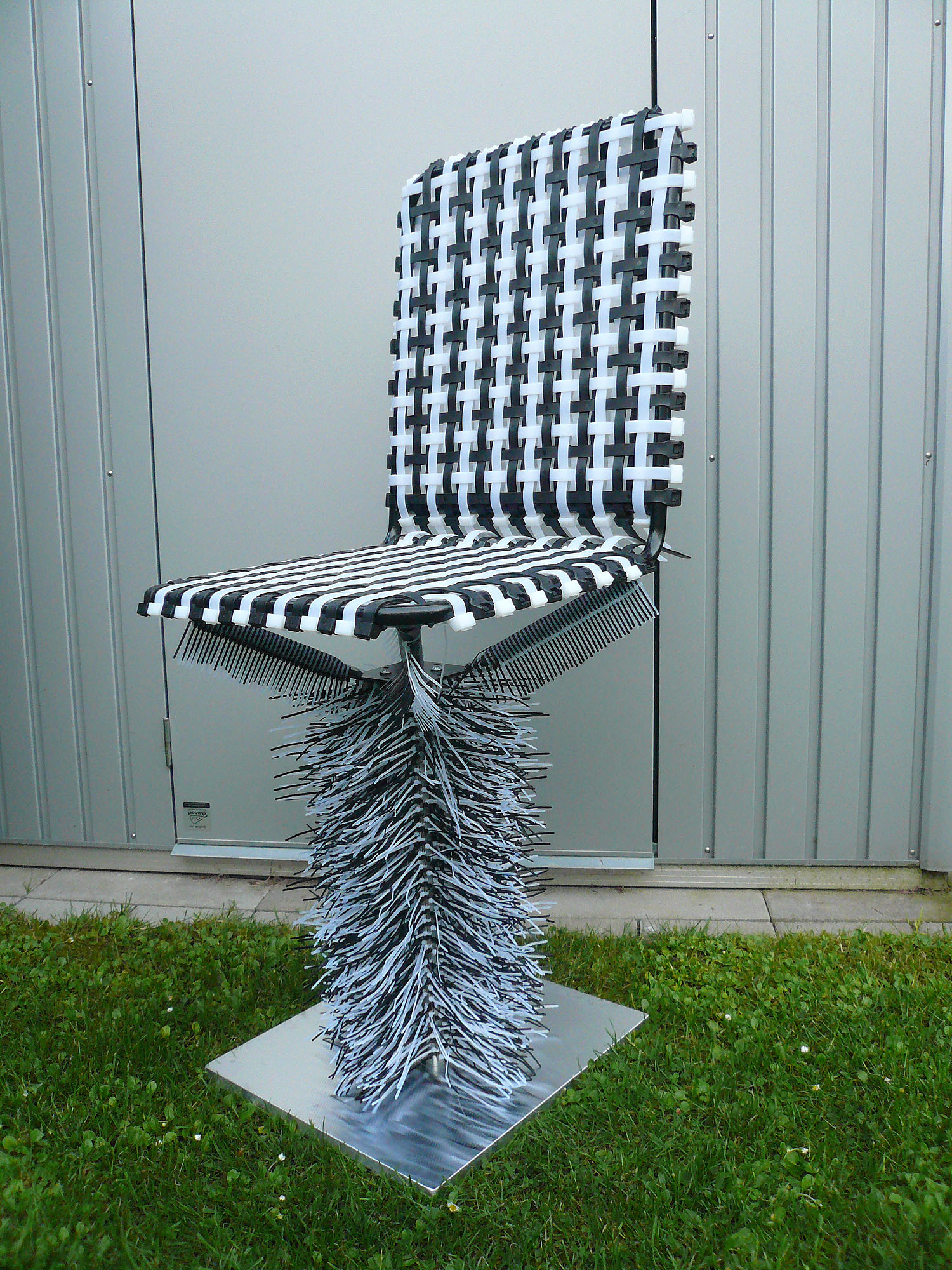 Cable Tie Chair final